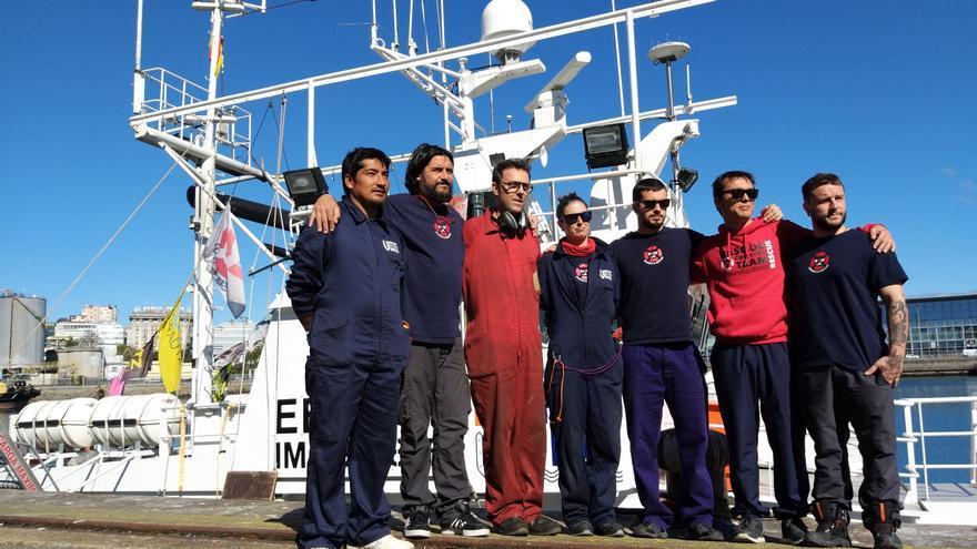La tripulación del 'Aita Mari', en A Coruña