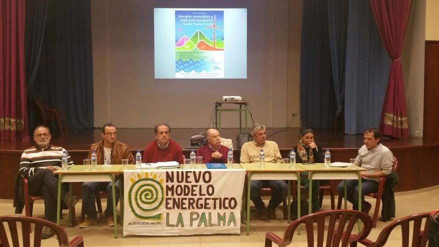 En la imagen, acto de la Plataforma  por un Nuevo Modelo Energético.