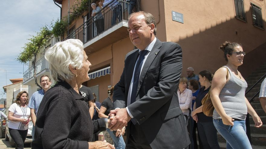 """Monago destaca el papel de los ayuntamientos especialmente """"en los momentos de mayor dificultad"""""""