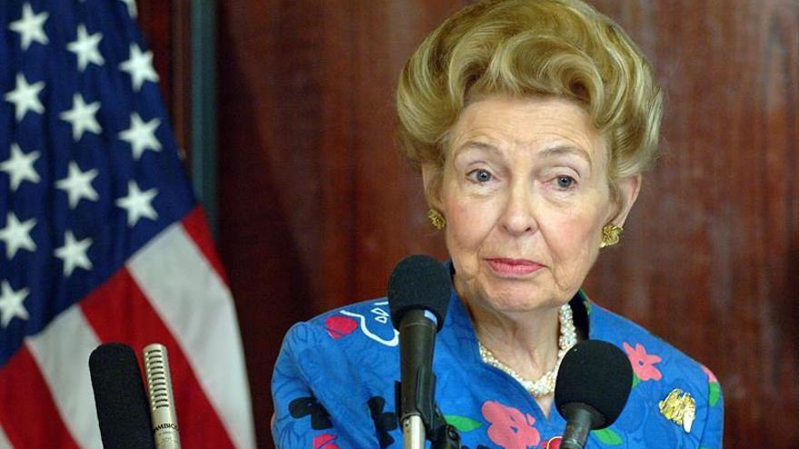 Muere Phyllis Schlafly, legendaria activista conservadora de EE.UU.