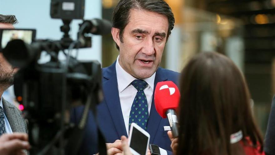 Las Cortes ratifican el convenio entre la Junta y la Xunta para el arreglo de la OU-124