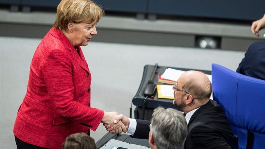 Merkel y Schulz bajo presión en medio de una larga espera para formar Gobierno