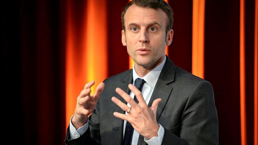 El ministro de Economía francés batiría a Sarkozy de ir a las presidenciales