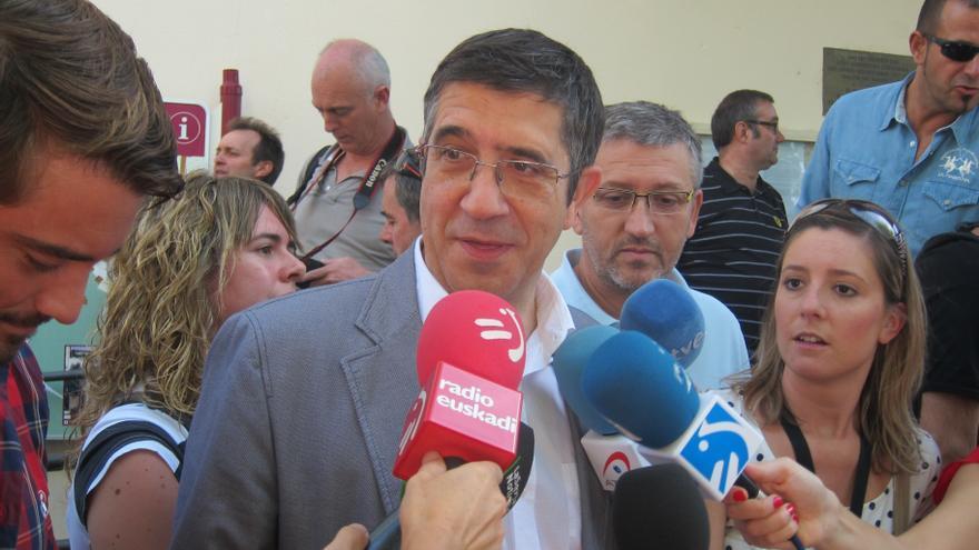 """El lehendakari cree que la petición de disculpas de Otegi es """"avanzar en la dirección correcta"""""""