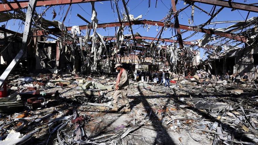 Veintidós muertos, la mayoría civiles, en bombardeo de la coalición en Yemen