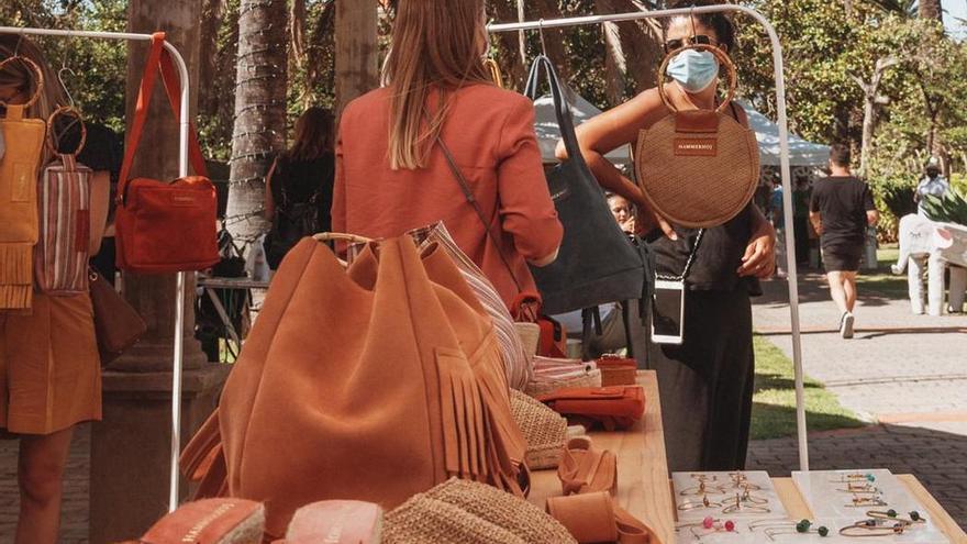 La terraza del Teatro Monterrey acoge el primer 'Dreamer market' creado por diseñadores canarios