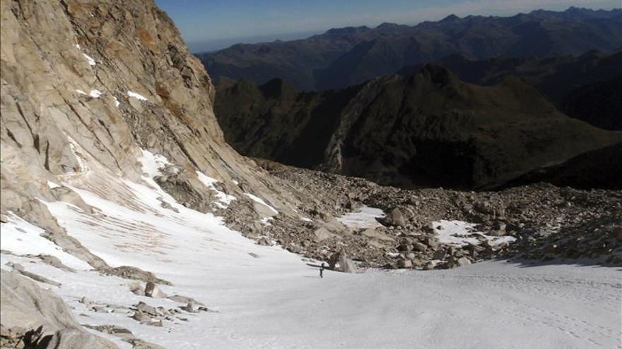 El pico Aneto, en el término municipal pirenaico de Benasque (Huesca). / Efe