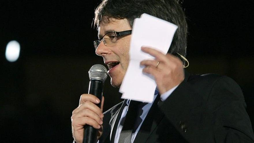 """Puigdemont avisa de que el 1-O se votará y se """"pondrá luz a la oscuridad"""""""