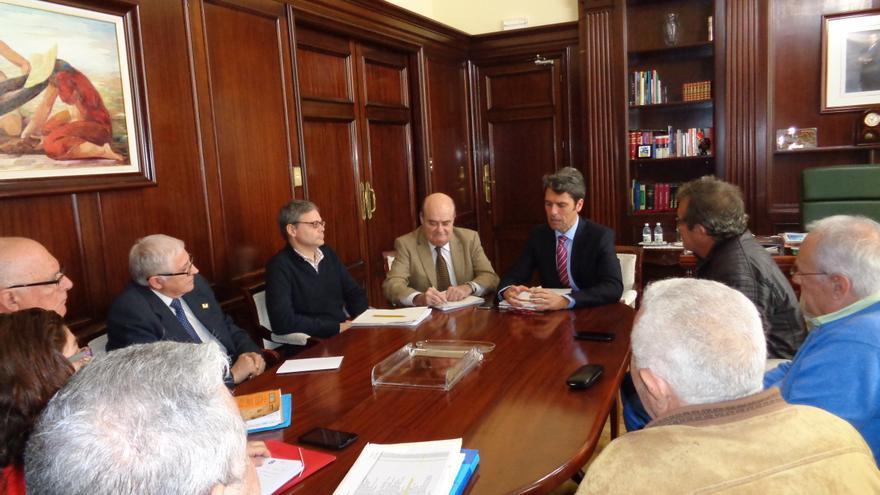 Reunión del delegado del Gobierno en Canarias con las entidades de ayuda alimentaria a las personas más desfavorecidas