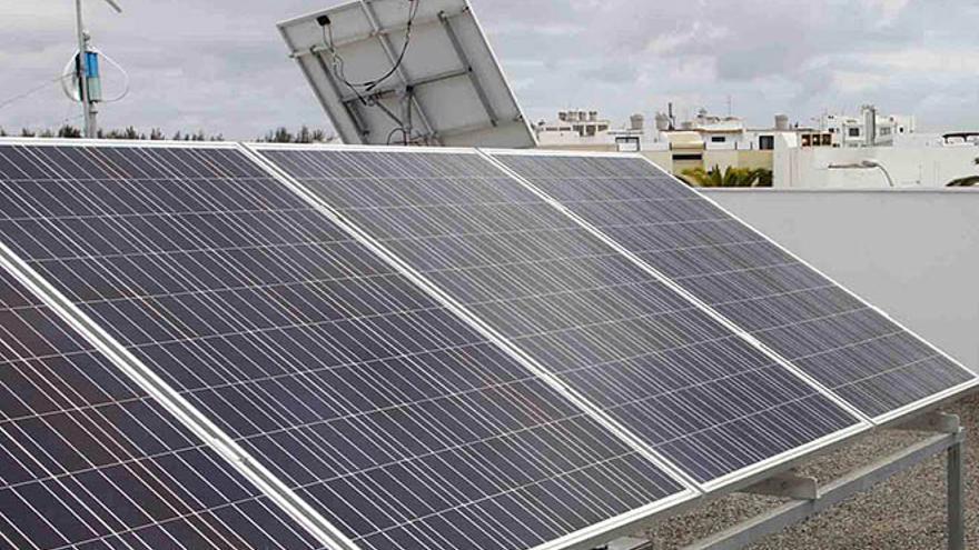 pr cticas de instalaciones solares haciendo de jardineros
