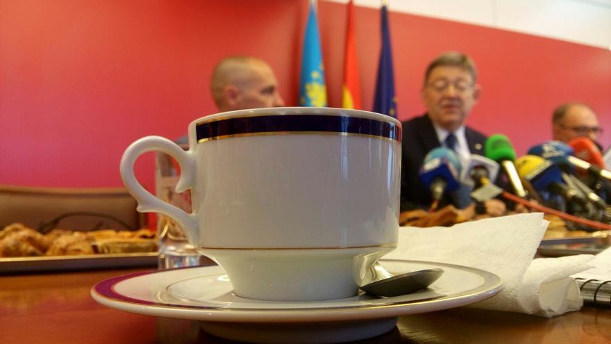 Ximo Puig ha ofrecido un desayuno informativo a los medios de Alicante