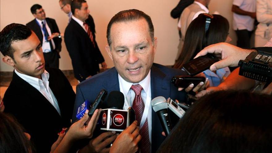 Exadministrador del Canal de Panamá respalda a su sucesor en el cargo