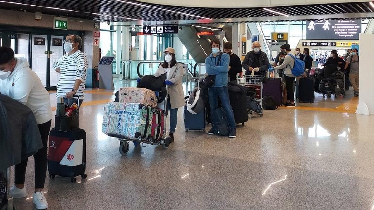 Se calcula que 37.000 argentinos se encuentran en el extranjero en estos momentos.