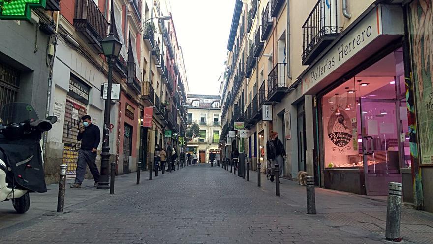 Espíritu Santo, primera calle de Madrid cortada al tráfico para albergar terrazas de hostelería