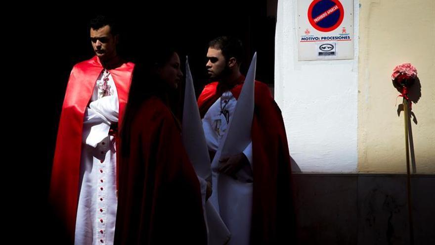 Color, flores y música cierran la Semana Santa Marinera de Valencia