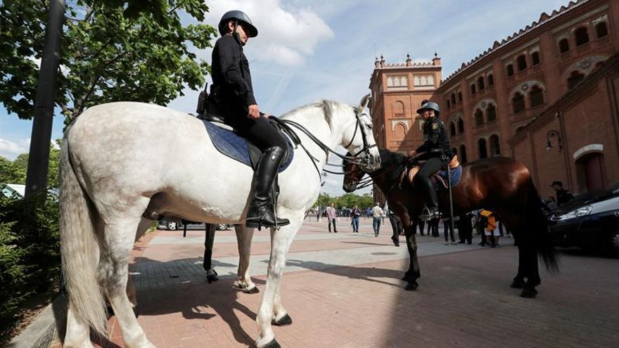 La faena de la Policía en Las Ventas: mucho más que la seguridad