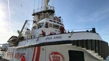 El Open Arms regresa al Mediterráneo tras más de 100 días de bloqueo para llevar ayuda humanitaria a Grecia