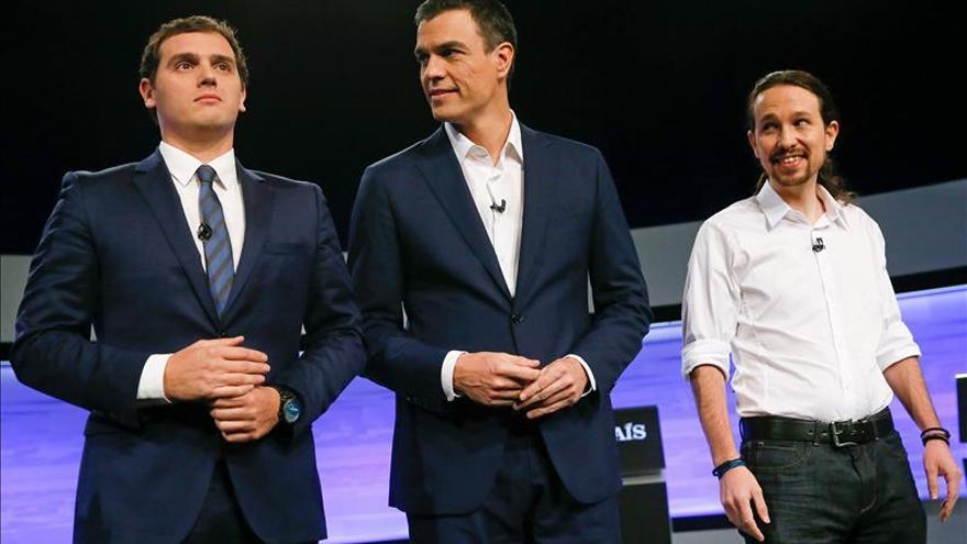Sánchez rechaza el contrato único de Rivera y éste equipara a Zapatero y Rajoy