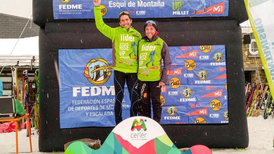 Manuel Merillas y Mónica Sanz tras ganar la Cronoescalada en Cerler.