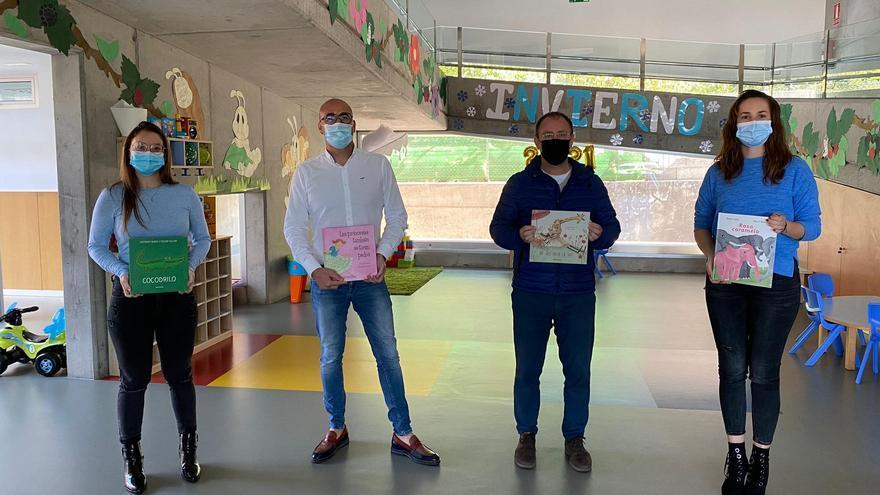 El Ayuntamiento de El Paso hace entrega de material didáctico a la Escuela Infantil 'Doña Carmela'