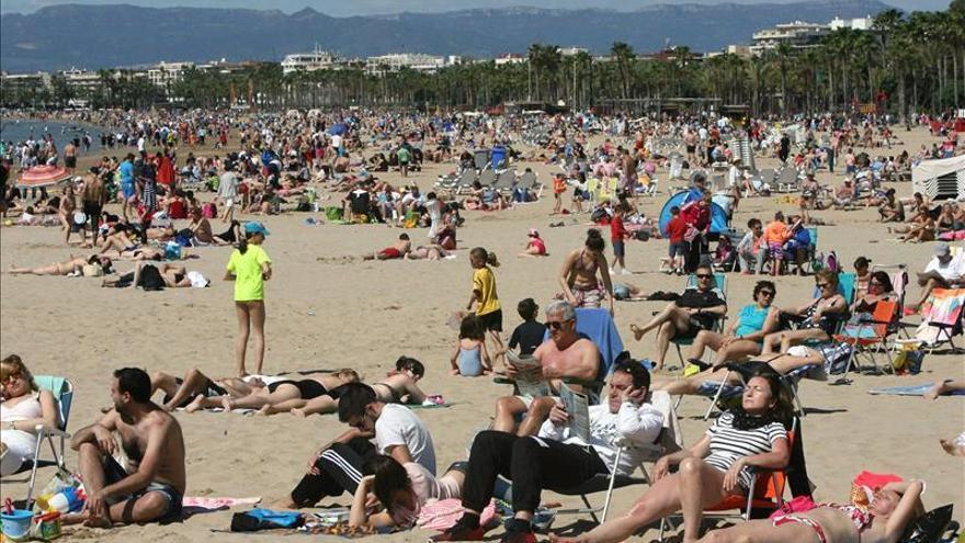 Los españoles gastarán este verano un 1,2 por ciento más, según American Express