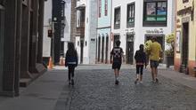 """El Ayuntamiento de Santa Cruz de La Palma señala que el comportamiento en el primer paseo con niños en la capital después del confinamiento ha sido """"un ejemplo""""."""