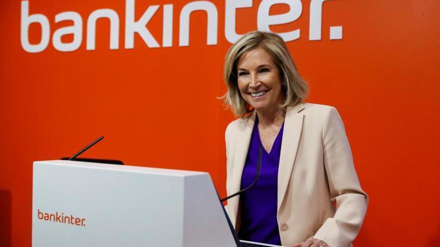 Bankinter gana el 7 % más hasta septiembre gracias al negocio con clientes