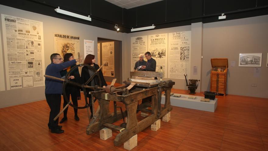 Exposición 'De Gutenberg a Twitter' en Zaragoza.