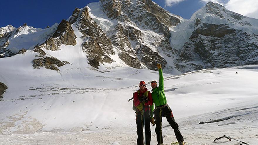 Dave y John frente al Raja Peak.