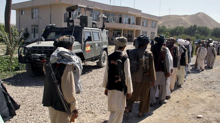 Un insurgente muerto en una ofensiva española, junto con el ejército afgano
