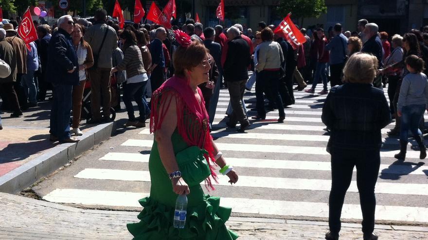 El inicio del mayo festivo cordobés se entremezcla con la manifestación del 1º de mayo