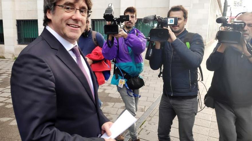 Puigdemont, en libertad sin fianza con condiciones tras comparecer en ante la justicia belga.