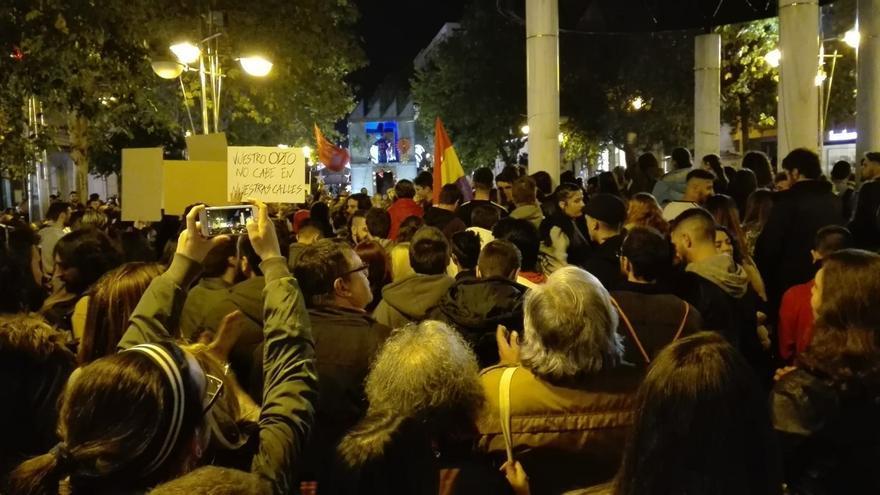 Más de medio millar de personas se concentran en la capital contra el fascismo