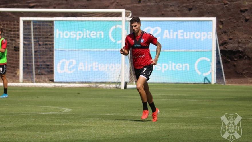 José Naranjo durante un entrenamiento del CD Tenerife en El Mundialito.