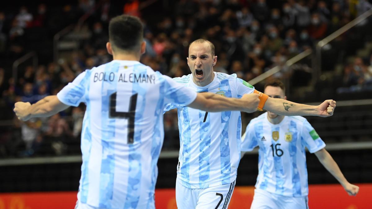 La selección Argentina enfrenta a Brasil en la semifinal del Mundial de Futsal