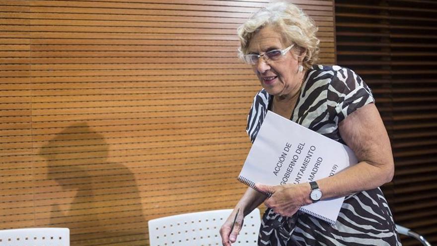 """Carmena: """"Soy una señora de 72 años, no me pasa por la cabeza ir sin bañador"""""""