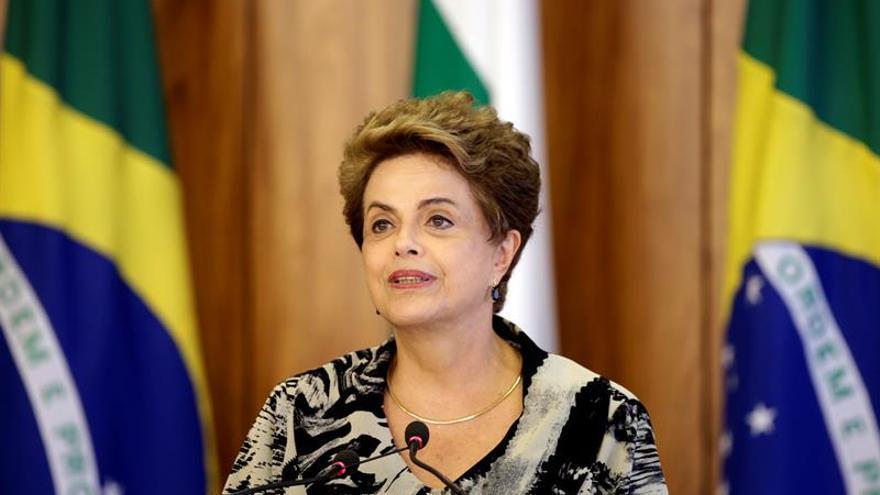 Dilma Rousseff afirma que no renunciará pese a las presiones