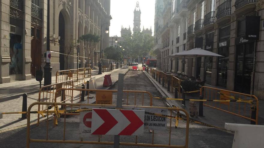 Obras de reasfaltado en la calle Correos
