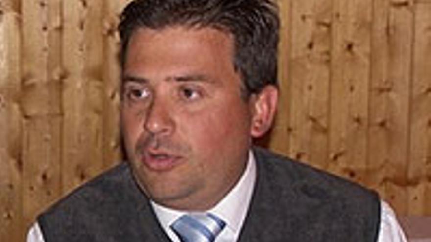 Luis Ibarra.