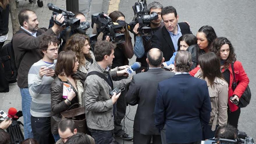 Las aglomeraciones de fotógrafos y periodistas ya han dejado de ser un habitual en Euskadi por el adelgazamiento de las redacciones.
