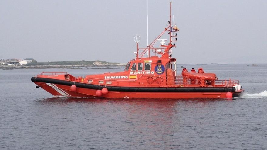 Salvamento Marítimo busca en el mar de Alborán dos pateras con 33 y 52 personas a bordo
