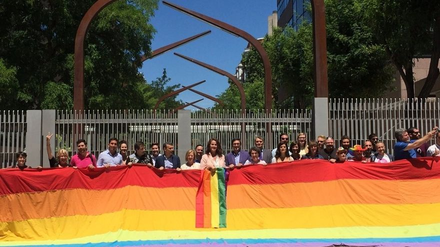 La Asamblea de Madrid aprueba por unanimidad la ley contra la LGTBfobia