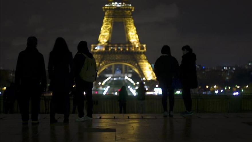 Las agencias de viajes aseguran que no hay cancelaciones de viajes a París