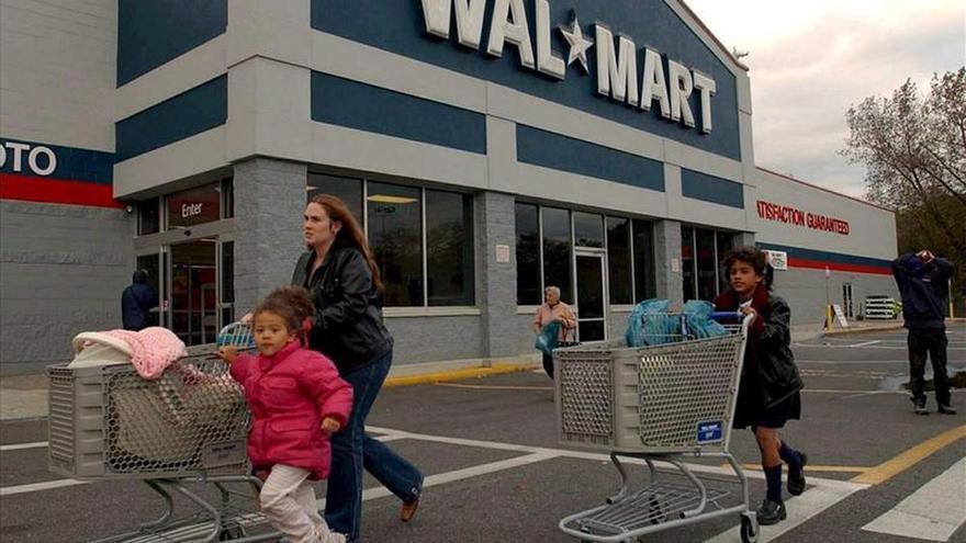 Beneficios anuales de Wal-Mart suben un 2,1 por ciento