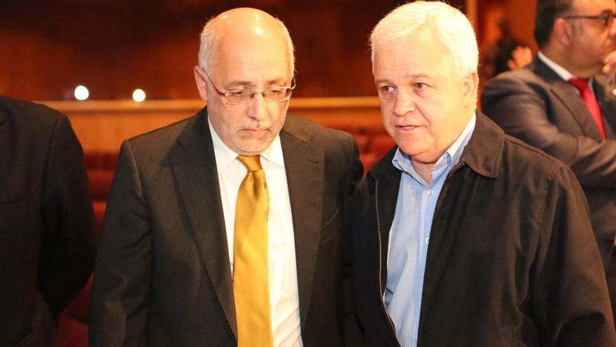 El presidente del Cabildo, Antonio Morales y el consejero Carmelo Ramírez (ALEJANDRO RAMOS)