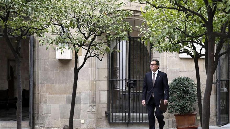 Artur Mas condena el atentado y defiende el derecho a la libertad de expresión