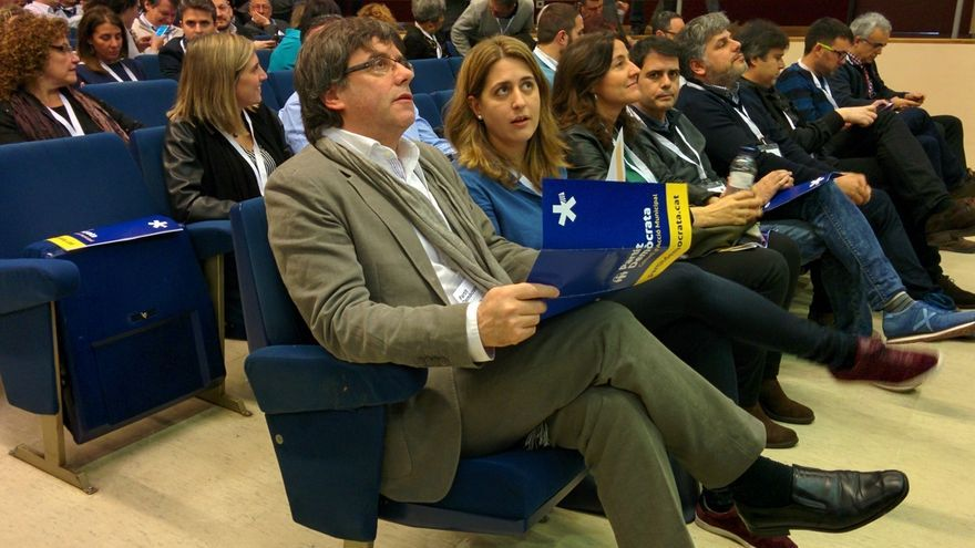 El PDeCAT busca concurrir con la lista de Puigdemont pero no vía Grupo de Electores