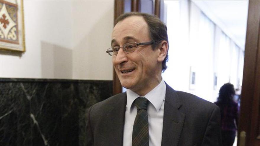 El portavoz del PP, Alfonso Alonso, insiste en reafirmar la indisolubilidad de España.