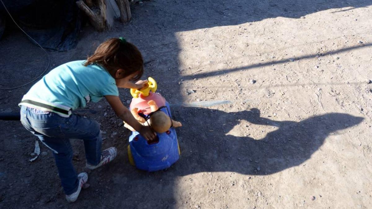 """Informe de UCA y Cáritas indica que de """"cuatro chicos que se sientan a una mesa, solo uno come todos los días"""""""