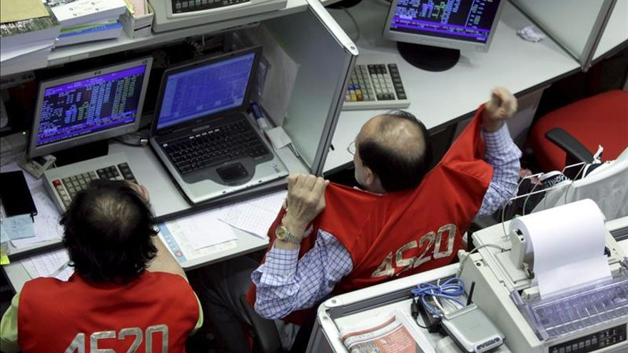 La Bolsa de Hong Kong abre con un fuerte aumento del 2,14 %